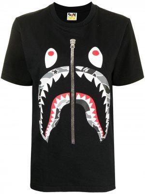 Shark camouflage pattern T-shirt A BATHING APE®. Цвет: черный
