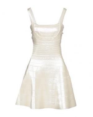 Короткое платье HERVE' L. LEROUX. Цвет: слоновая кость