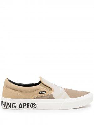 Слипоны с логотипом AAPE BY *A BATHING APE®. Цвет: коричневый