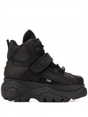Высокие кроссовки на платформе Buffalo. Цвет: черный