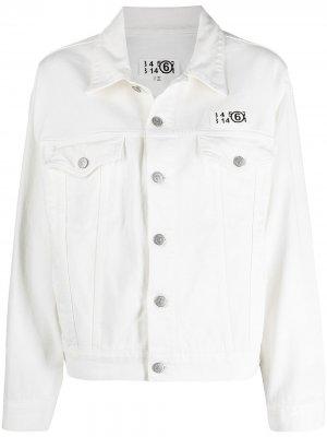 Джинсовая куртка с нашивкой-логотипом MM6 Maison Margiela. Цвет: белый