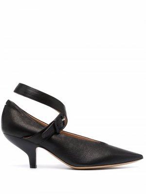 Туфли-лодочки с заостренным носком Maison Margiela. Цвет: черный
