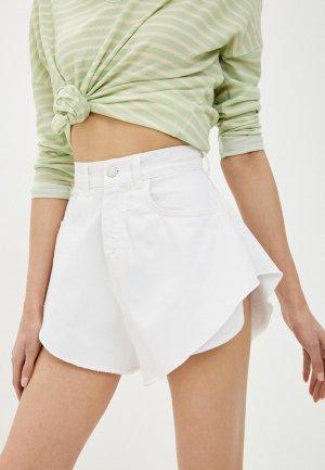 Шорты джинсовые Top. Цвет: белый