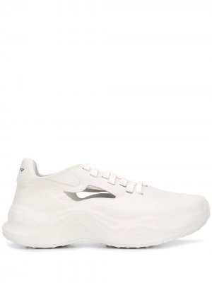 Кроссовки с вырезами MISBHV. Цвет: белый