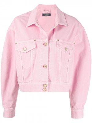 Укороченная джинсовая куртка Versace. Цвет: розовый