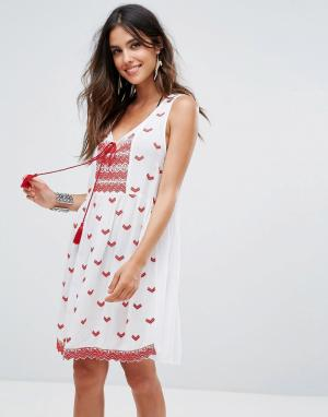 Пляжное платье с вышивкой Anmol. Цвет: белый