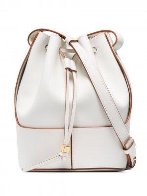 Маленькая сумка-ведро LOEWE. Цвет: белый