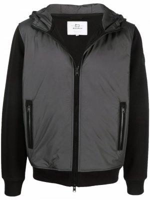 Куртка на молнии с капюшоном Woolrich. Цвет: черный