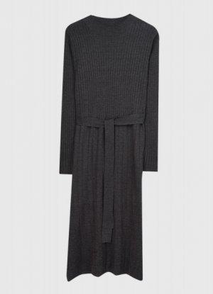 Вязаное платье в рубчик O`Stin. Цвет: графитовый