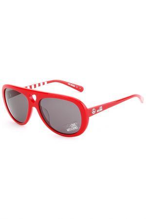 Солнцезащитные очки Love Moschino. Цвет: красный