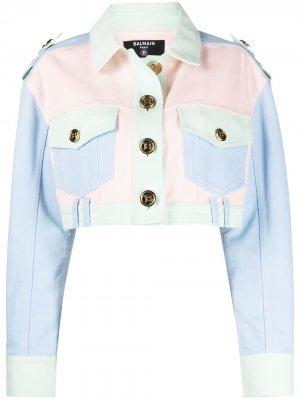 Укороченная джинсовая куртка в технике пэчворк Balmain. Цвет: розовый