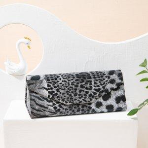 Футляр для очков с леопардовым принтом SHEIN. Цвет: многоцветный