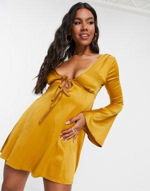 Золотистое приталенное платье мини со свободной расклешенной юбкой и завязкой спереди -Золотистый ASOS DESIGN
