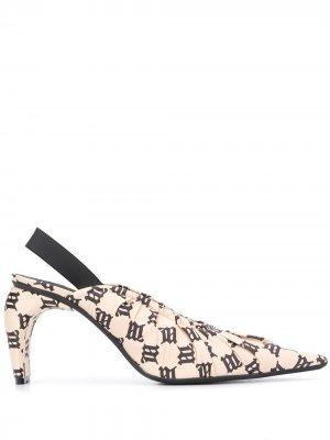 Туфли с ремешком на пятке и логотипом MISBHV. Цвет: нейтральные цвета