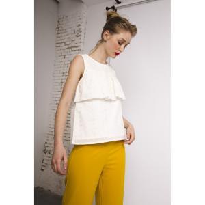 Блузка без рукавов с английским шитьём COMPANIA FANTASTICA. Цвет: экрю