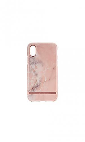 Чехол для телефона pink marble Richmond & Finch. Цвет: розовый