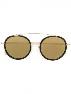 Солнцезащитные очки с зеркальными линзами Matsuda. Цвет: черный