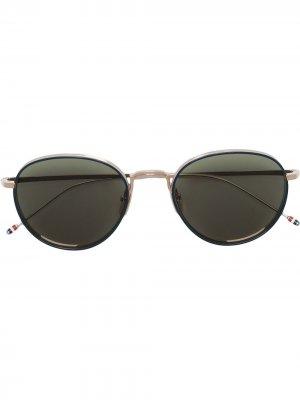 Солнцезащитные очки в круглой оправе Thom Browne Eyewear. Цвет: зеленый