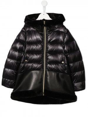 Стеганое пальто с оторочкой из искусственного меха Herno Kids. Цвет: черный