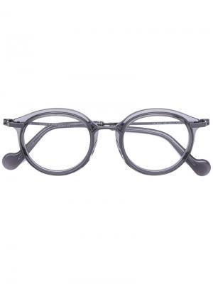 Round frame glasses Moncler Eyewear. Цвет: серый