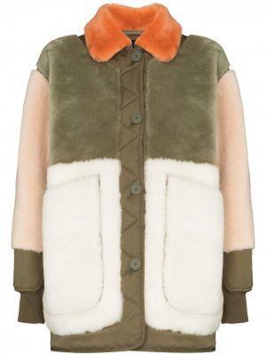 Двусторонняя куртка-бомбер из овчины MARFA STANCE. Цвет: зеленый