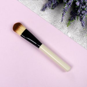 Кисть для макияжа, 14,4 см, цвет бежевый/чёрный Queen fair