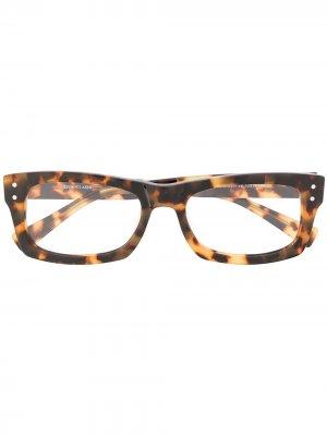 Очки в оправе черепаховой расцветки Epos. Цвет: коричневый