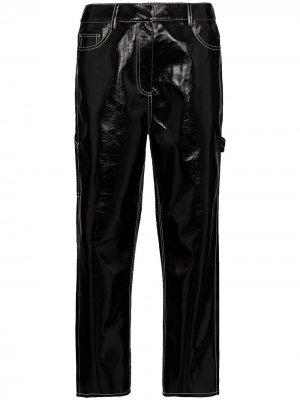 Укороченные лакированные брюки Tibi. Цвет: черный