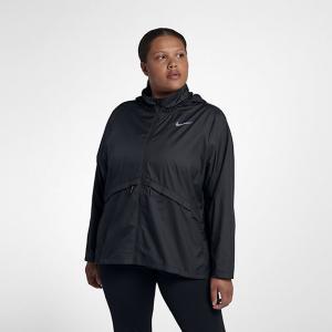Женская беговая куртка Essential (большие размеры) Nike. Цвет: черный