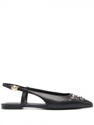 Балетки с заостренным носком и логотипом Versace Jeans Couture. Цвет: черный