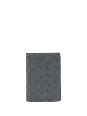 Бумажник с плетением Intrecciato Bottega Veneta. Цвет: серебристый