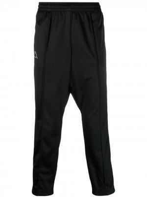 Спортивные брюки с логотипами на лампасах Kappa. Цвет: черный