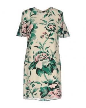 Короткое платье BURBERRY. Цвет: бежевый