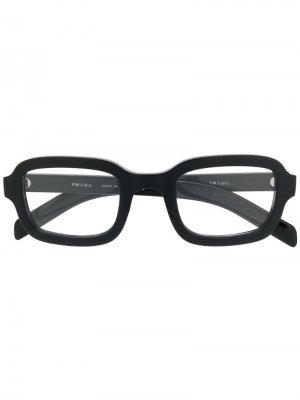 Очки в квадратной оправе Prada Eyewear. Цвет: черный
