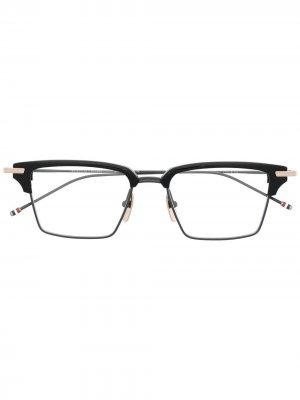 Очки в квадратной оправе Thom Browne Eyewear. Цвет: черный