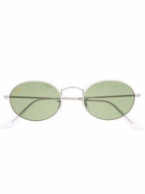 Солнцезащитные очки в овальной оправе Ray-Ban. Цвет: серебристый