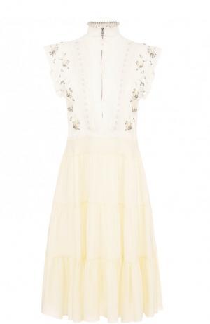 Приталенное платье-миди из смеси вискозы и шелка Chloé. Цвет: кремовый