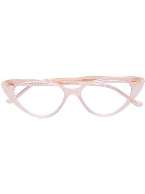 Очки в оправе кошачий глаз Cutler & Gross. Цвет: розовый