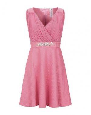 Короткое платье 22 MAGGIO by MARIA GRAZIA SEVERI. Цвет: розовый