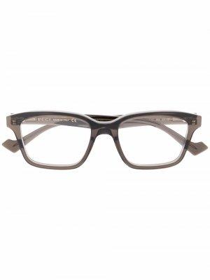 Очки в прямоугольной оправе Gucci Eyewear. Цвет: коричневый