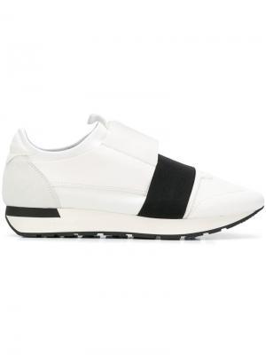 Кроссовки с эластичным ремешком Balenciaga. Цвет: белый