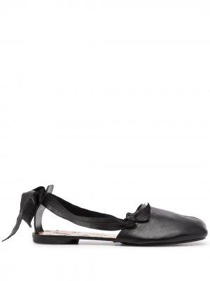 Туфли Tabi с завязками Maison Margiela. Цвет: черный