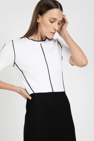 Платье женское с коротким рукавом и контрастным кантом VASSA&Co. Цвет: черный