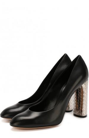 Кожаные туфли на декорированном каблуке Casadei. Цвет: черный