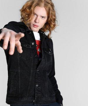 Джинсовая куртка с трикотажными рукавами O`Stin. Цвет: черный