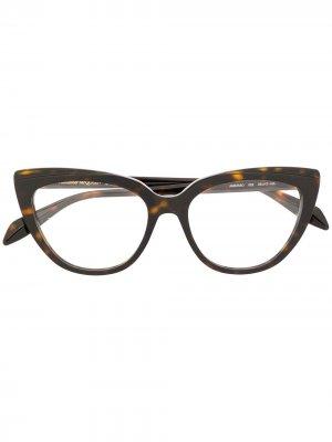 Очки в оправе кошачий глаз Alexander McQueen Eyewear. Цвет: коричневый