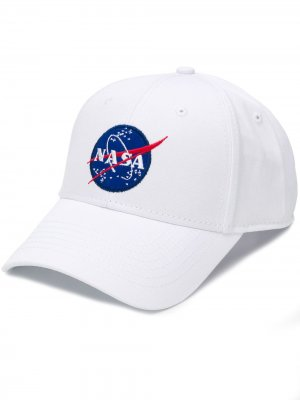 Бейсболка с вышитым логотипом NASA Alpha Industries. Цвет: белый