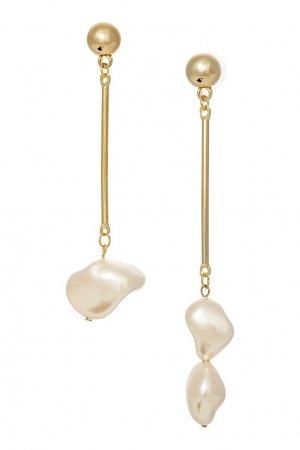 Золотистые серьги с белым барочным жемчугом Aqua. Цвет: золотой