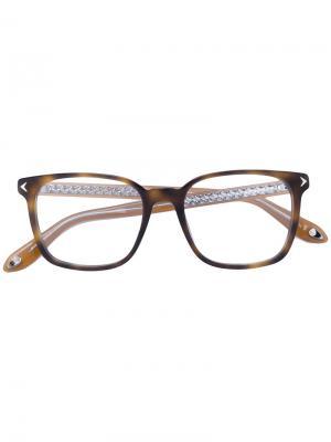 Очки в квадратной оправе Givenchy Eyewear. Цвет: коричневый