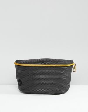 Черная сумка-кошелек на пояс с перфорацией Mi-Pac. Цвет: черный